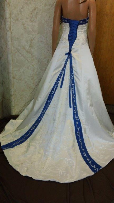 Wedding Dresses With Royal Blue Accents 74