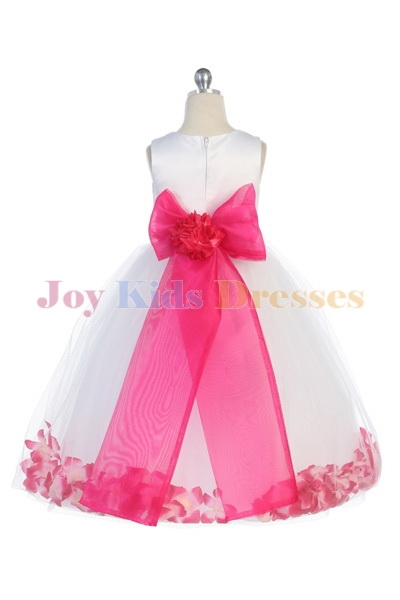 7ed681429ac ... Long dress with petals in fuschia