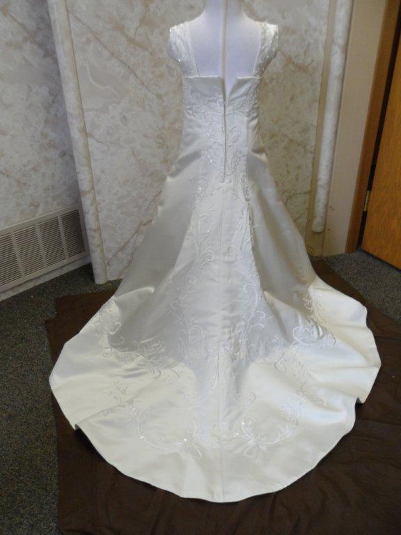 ivory embroidered miniature bridal gown train