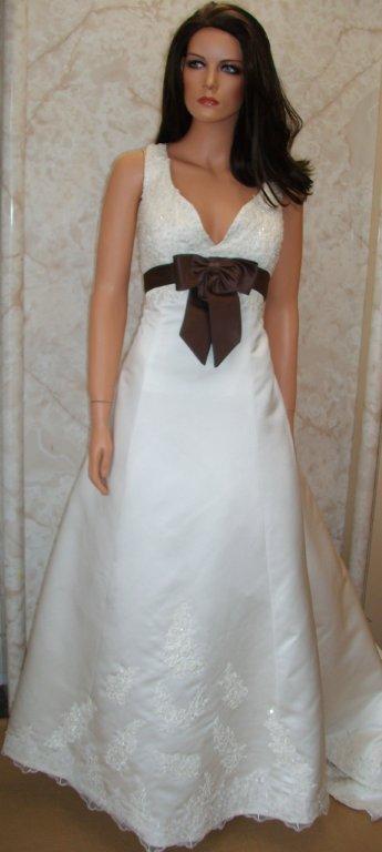 Ivory wedding dresses for Matching wedding and flower girl dresses