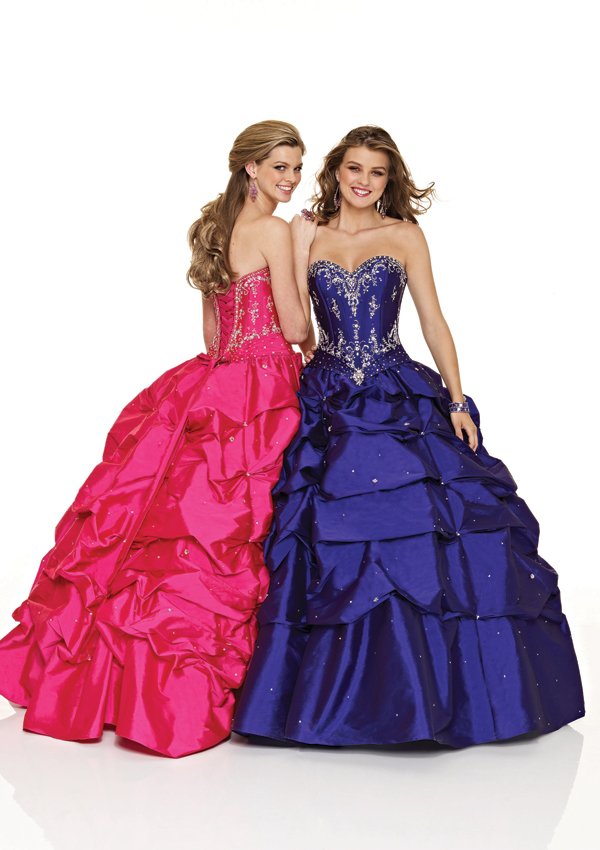 Sweetheart ball gown with pickups
