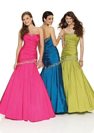 Women's sweetheart strapless mermaid gown