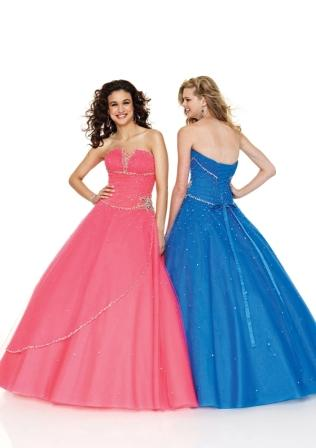 Women's sweetheart v cut strapless ball gown