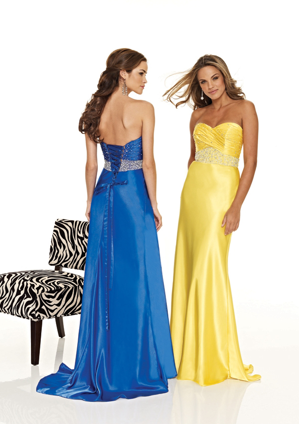Strapless sweetheart sheath Gown