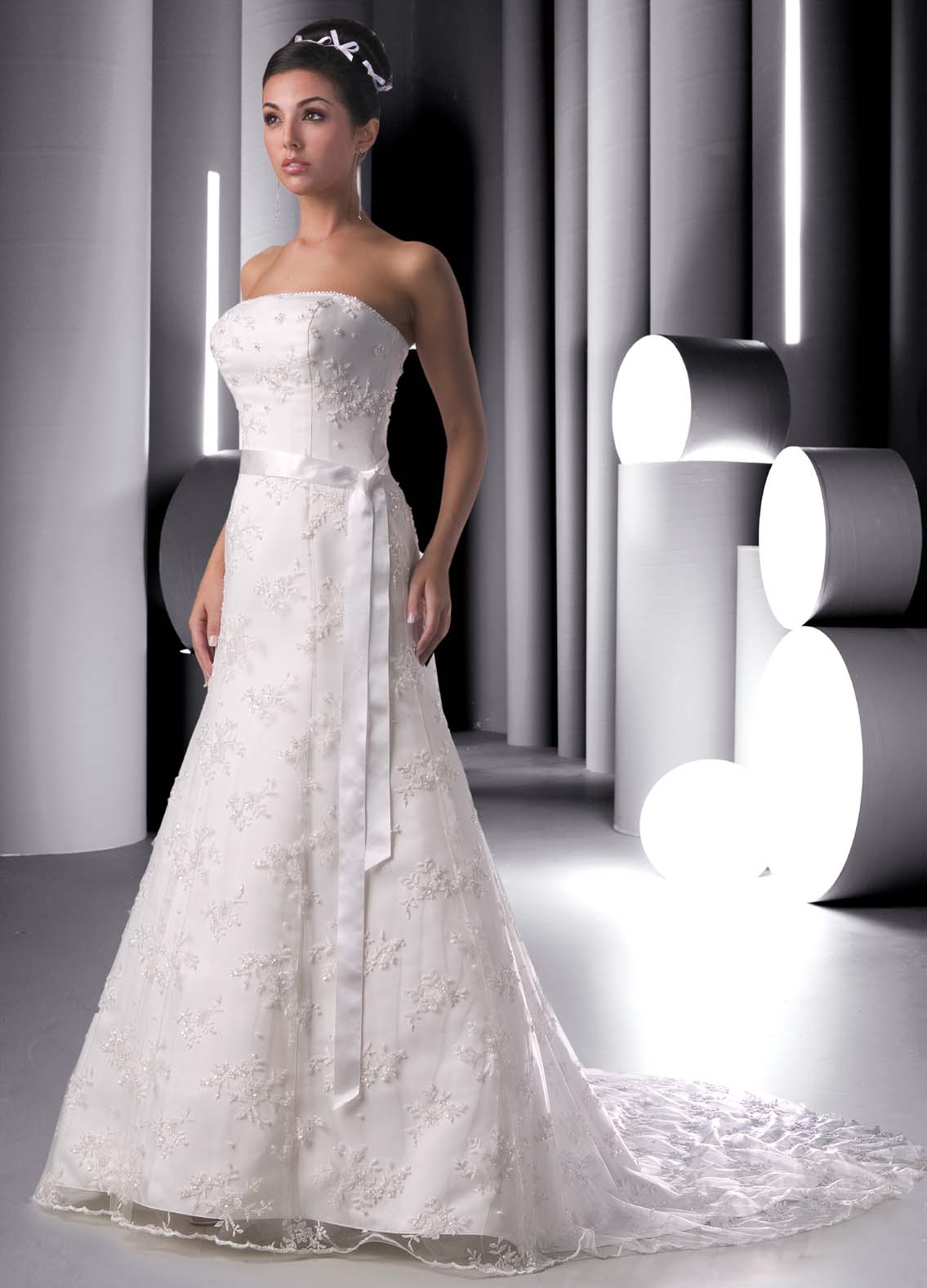A line wedding dress covered with lace for Dallas wedding dress rental