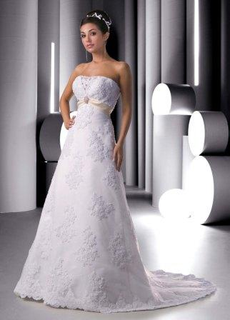 Wedding Gown in tulle and lace