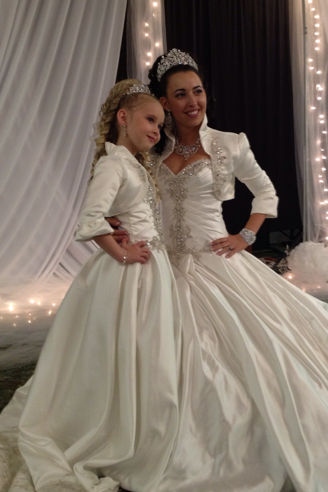 4d7d23516e3 bride and flower girl matching dress and jacket ...