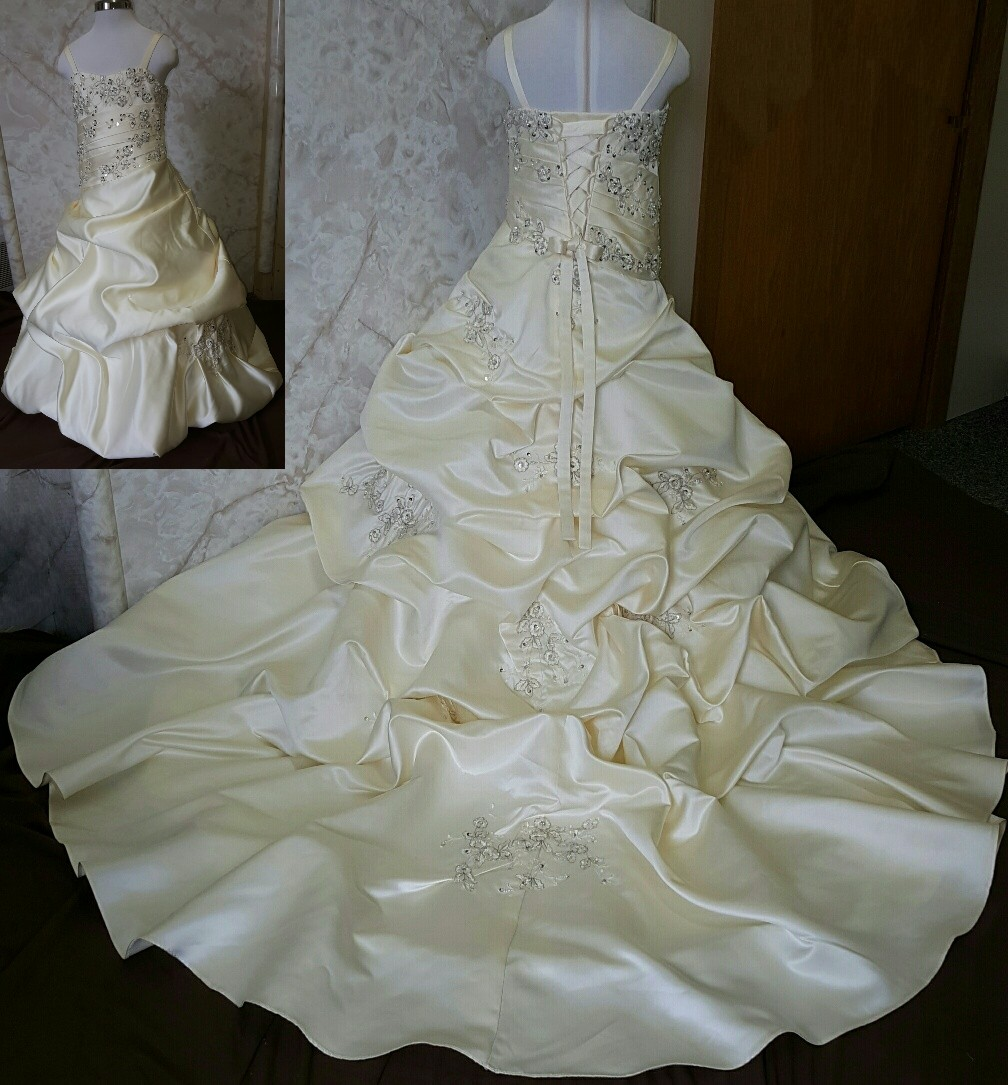 576f329720 Mother daughter matching wedding dresses.