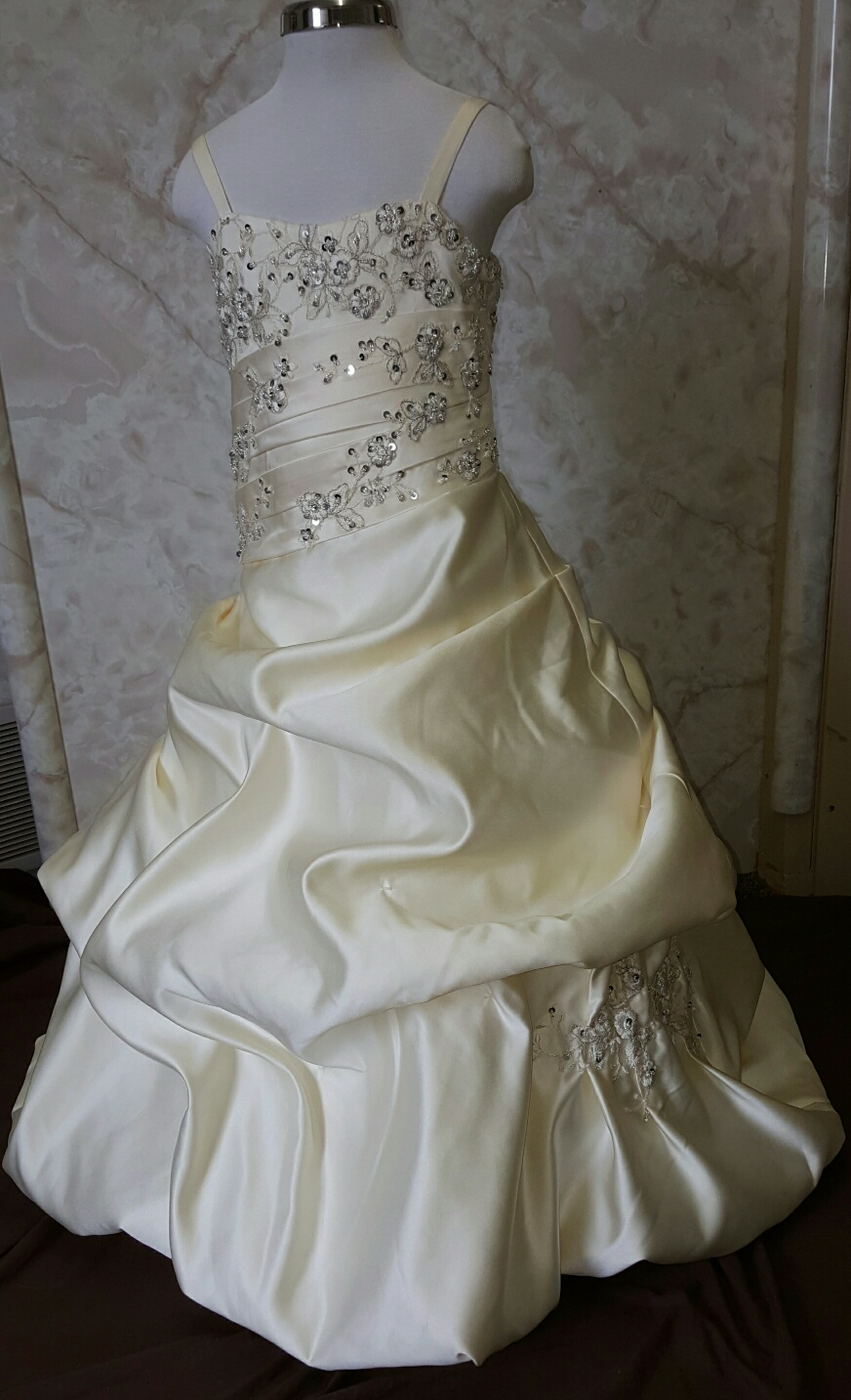 Mother daughter matching wedding dresses for Matching wedding and flower girl dresses
