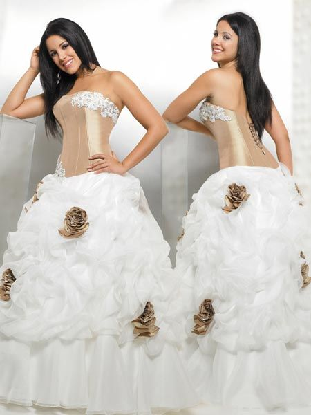 Gold dama dresses for Quinceanera with roses