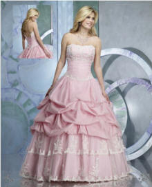 http://www.jaksflowergirldresses.com/Prom-d6.jpg