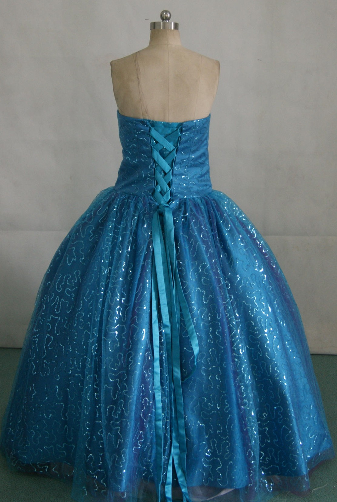 Long formal sequin prom dresses.