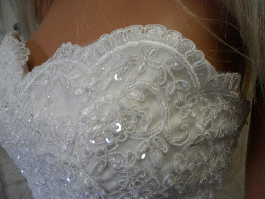 Lace applique sweetheart wedding gown