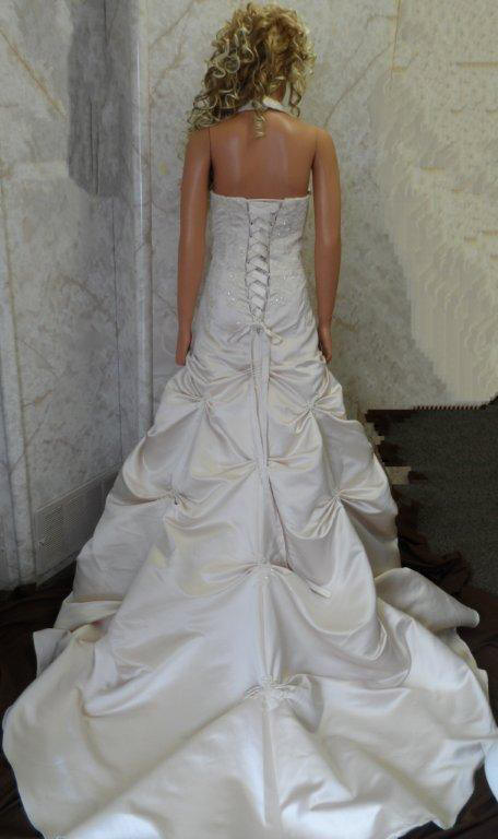 Champagne Ball Gown Halter V-Neck Beaded Applique Satin Wedding Dress