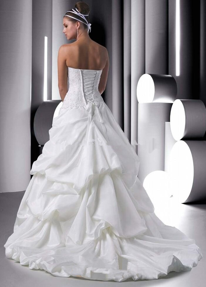 63194c5c04df ... corset wedding dress with bubble skirt