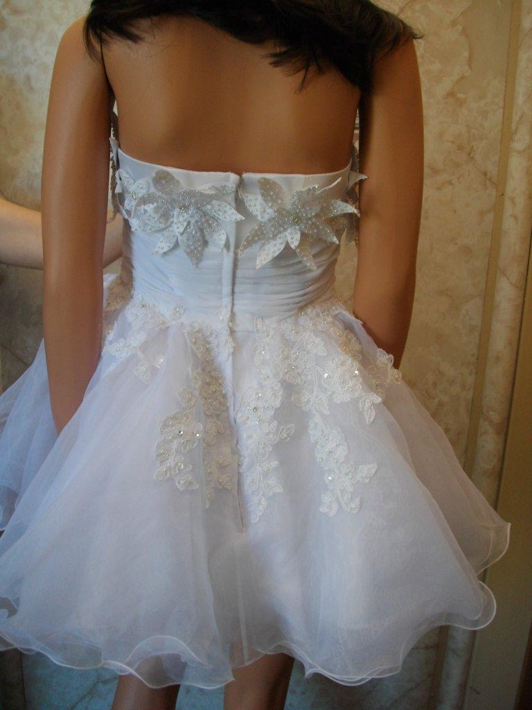 Baby doll wedding dress with flowers for Baby doll style wedding dress
