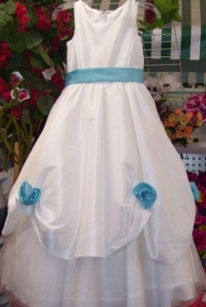 flower girl dresses with pool color