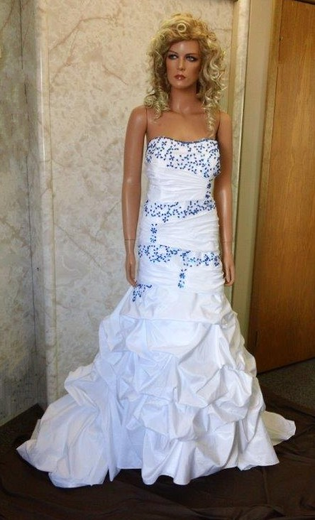 White And Blue Strapless Pickup Wedding Gown