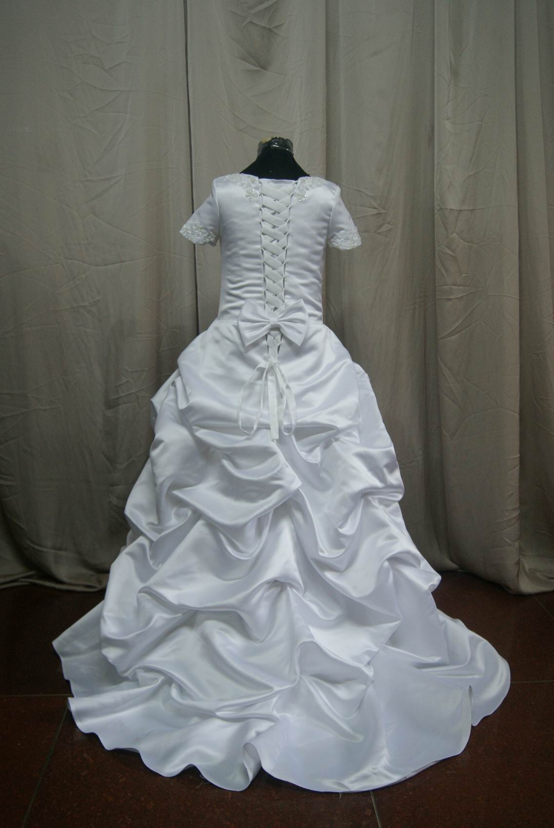 Pickup short sleeve miniature wedding gown.