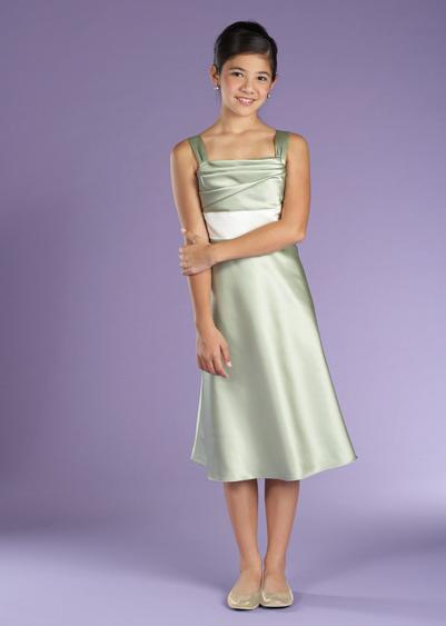 Short green junior bridesmaid dresses.