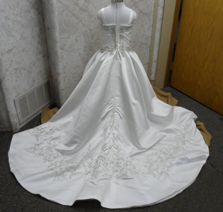 Matching flower girl dresses to bridal gowns matching flower girl dresses to bridal gowns mightylinksfo