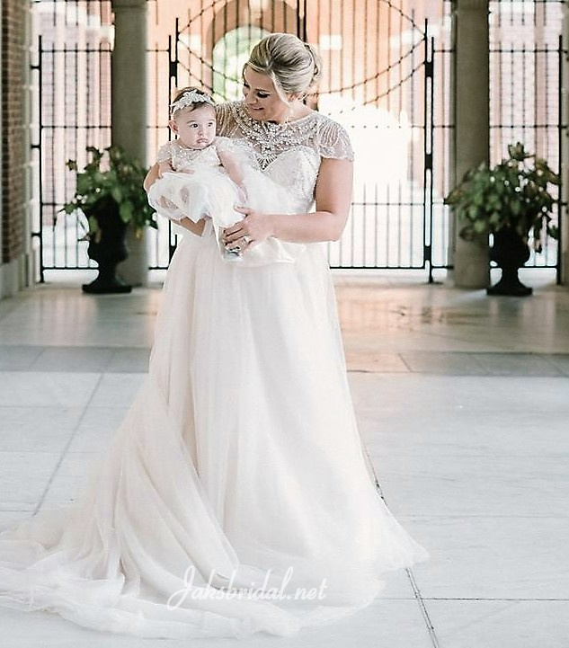 245f5b8ff07 bride and matching flower girl dresses. We finally had our wedding and the  ...