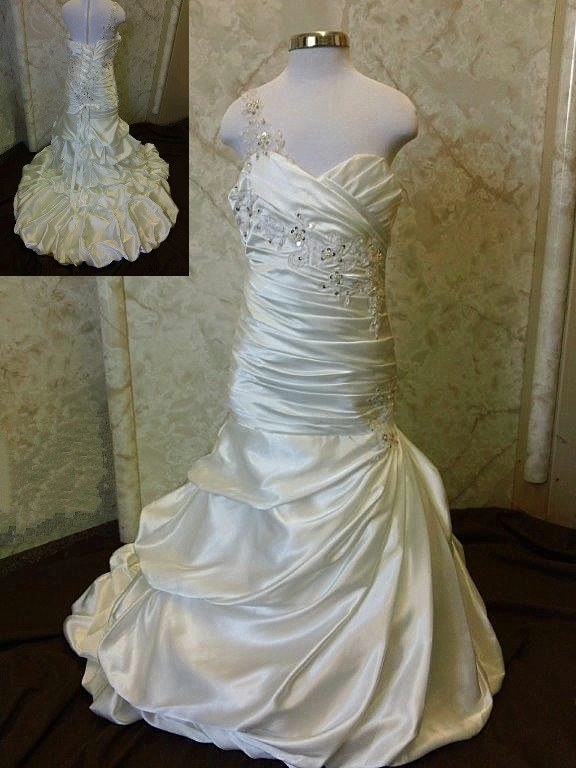 mini wedding gown with surge whirlpool bubbles in center front side 241556484e38