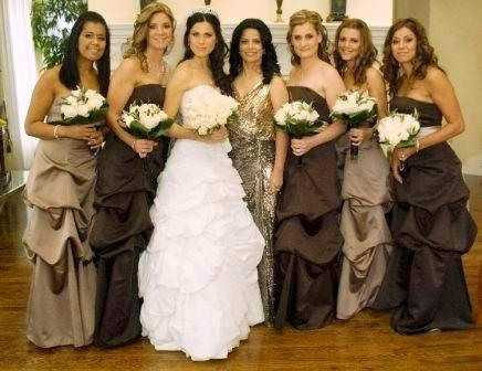 Brown bridesmaid pickup dresses.