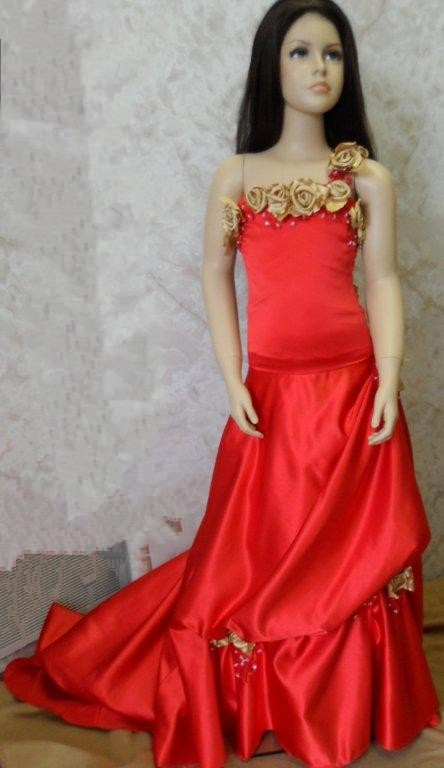 One red dress gold